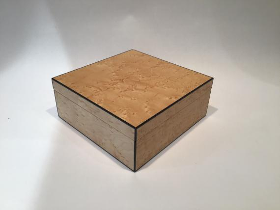 Picture of Birds Eye Maple Keepsake Box