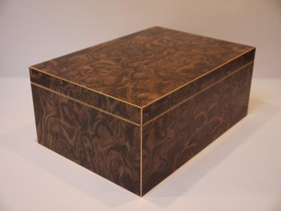 Picture of Black Walnut Burr Veneered Tumbler Presentation Box